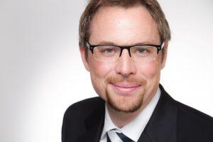 Mein Netzwerk: Portraitaufnahme und Businessfoto von Journalist Tobias Dunkel